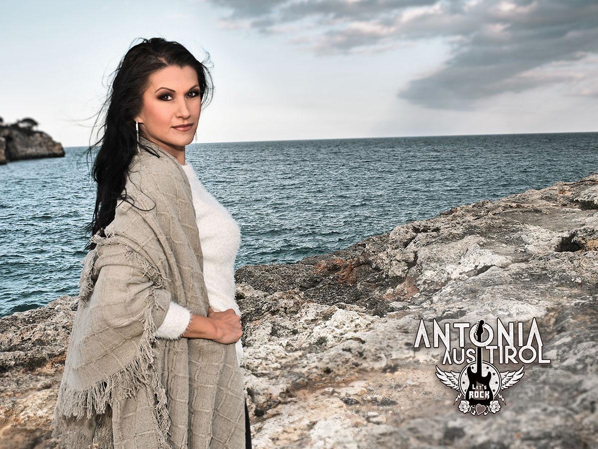 Varga Hair Antonia aus Tirol